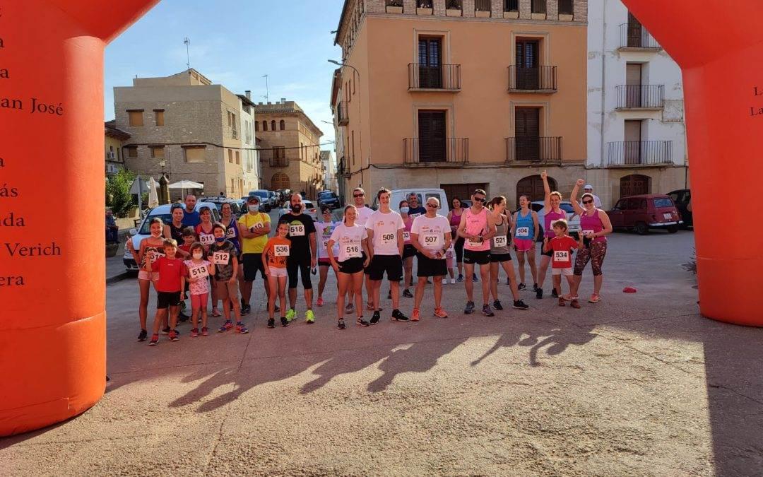 La Comarca del Bajo Aragón celebra su III Reto solidario Kilómetros por alimentos en Castelserás, con una contribución de 478 kilos de alimentos.